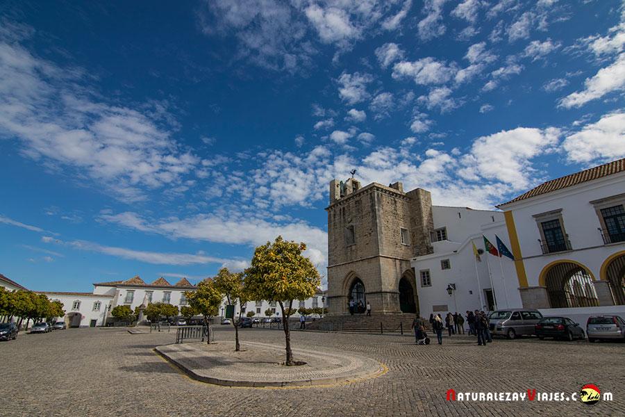 El casco histórico de Faro, Vila Adentro