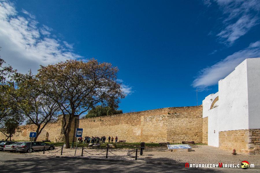 Muralla de Faro con torres bizantinas, Algarve