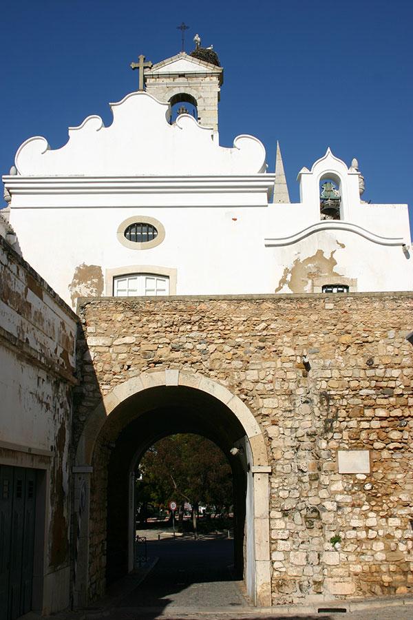 Puerta árabe en Faro, Algarve