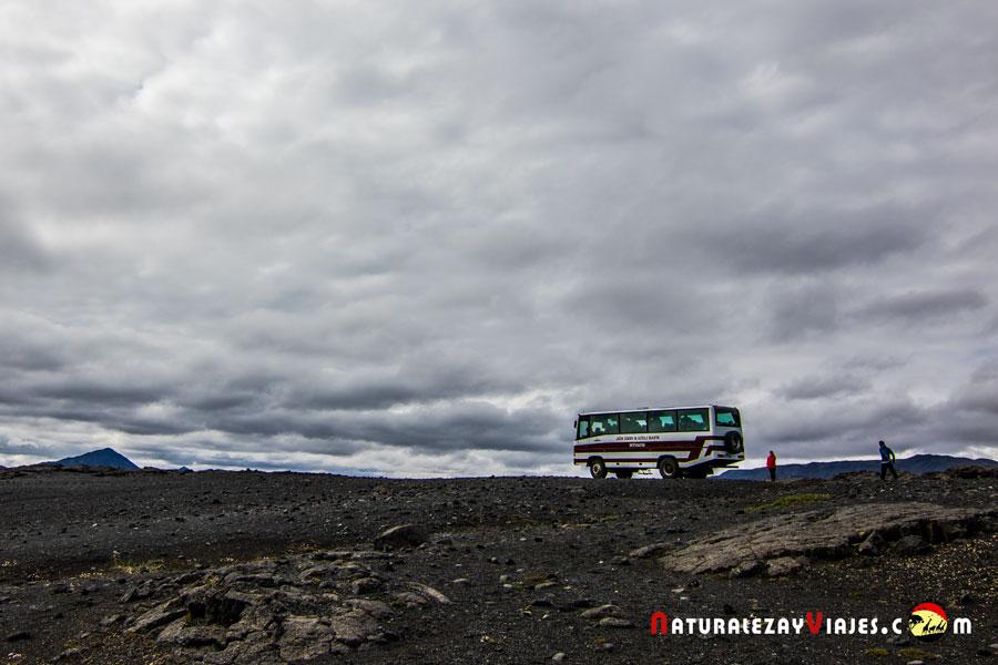 Bus 4x4 de Myvatn Tours en las Tierras Altas Islandia Highlands