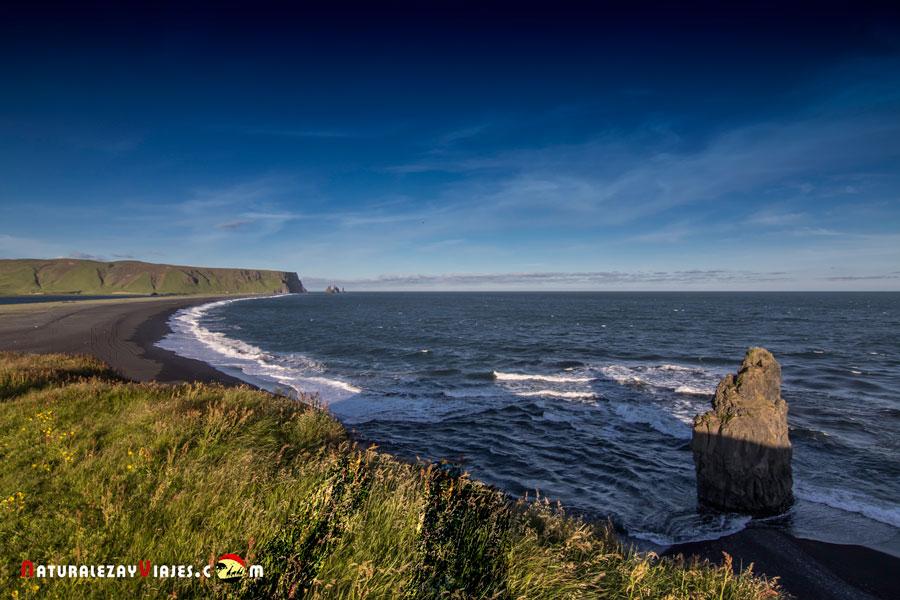Playas negras de Islandia. Vik, Reynisfjara y Dyrhólaey