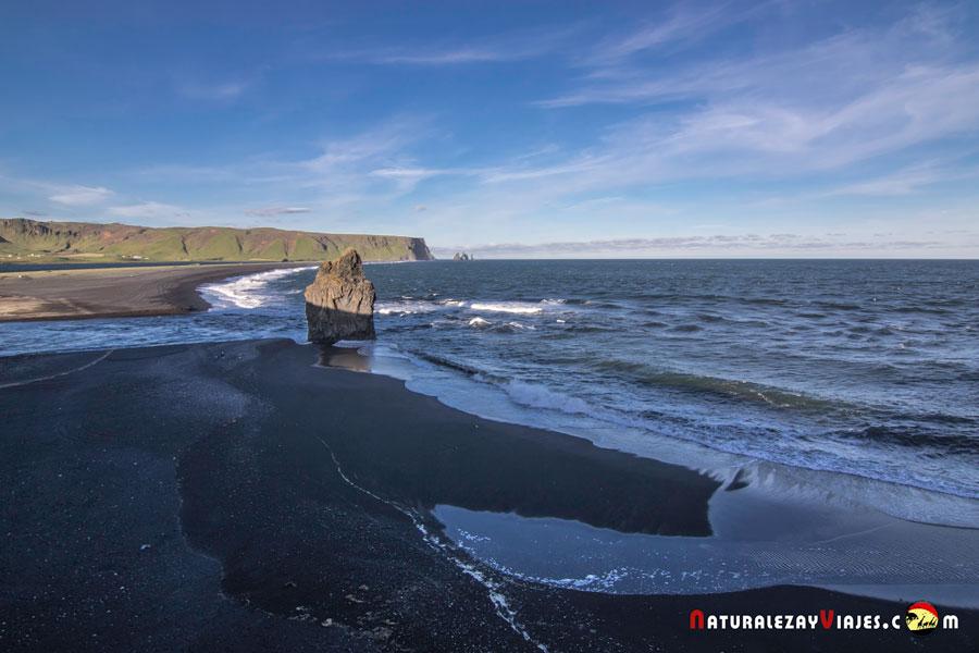Playa Reynisfjara y Reynisfjall, dos de las Playas negras de Islandia