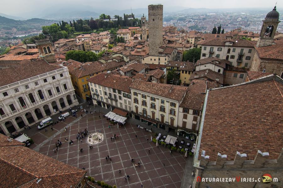 Piazza Vecchia vista desde lo alto del Campanone
