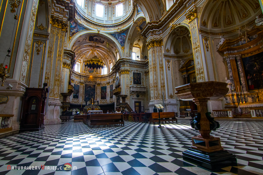 Interior de la Catedral de Sant´Alessandro o Catedral de Bérgamo