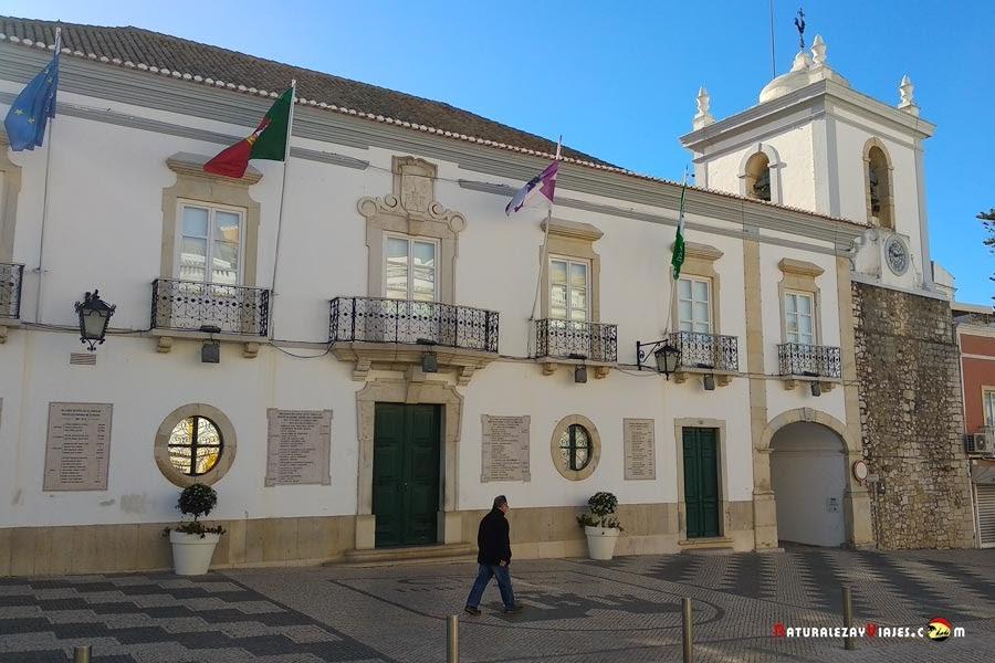 Ayuntamiento de Loulé y Torre del Reloj