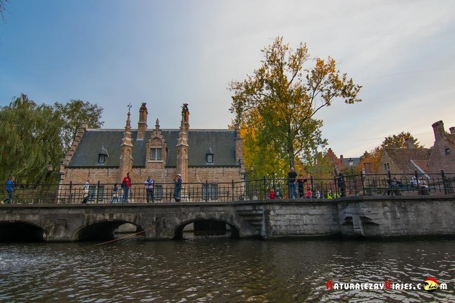 Parque Minnewater en Bélgica