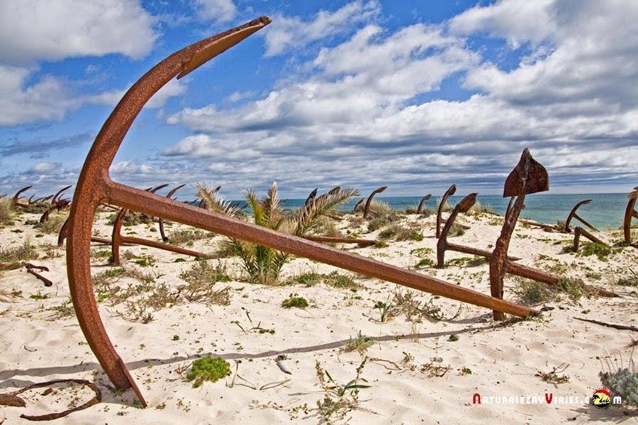 Cementerio de anclas para ver con niños en el Algarve