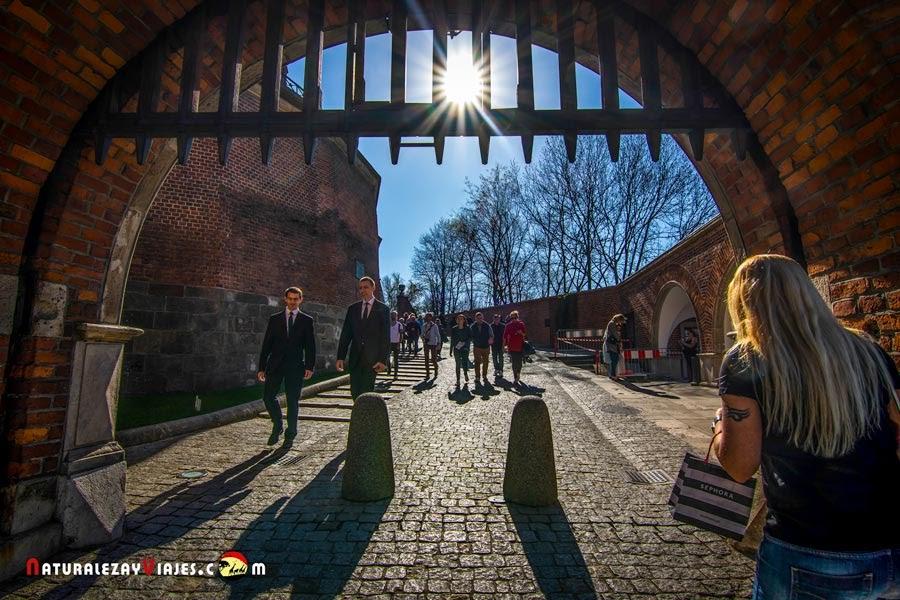 Acceso a la Colina de Wawel, Cracovia