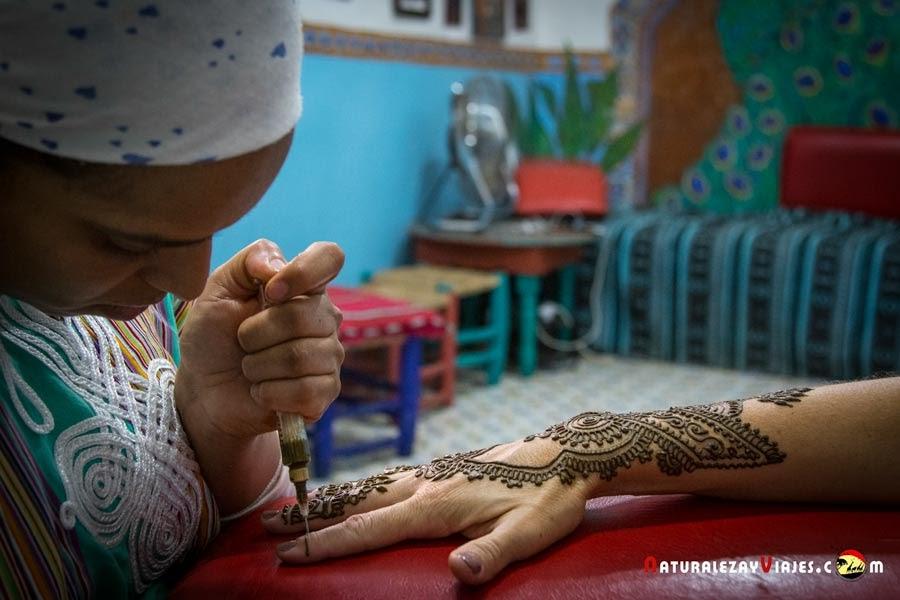 Henna en el Art Café de Marrakech, Marruecos