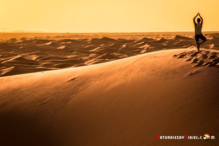 Yoga en desierto de Merzouga
