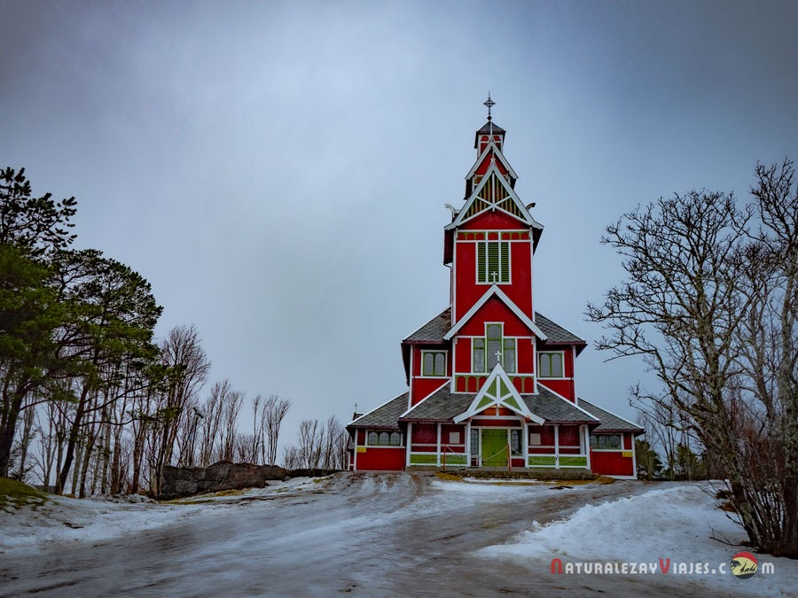 Iglesia Buksnes en Lofoten