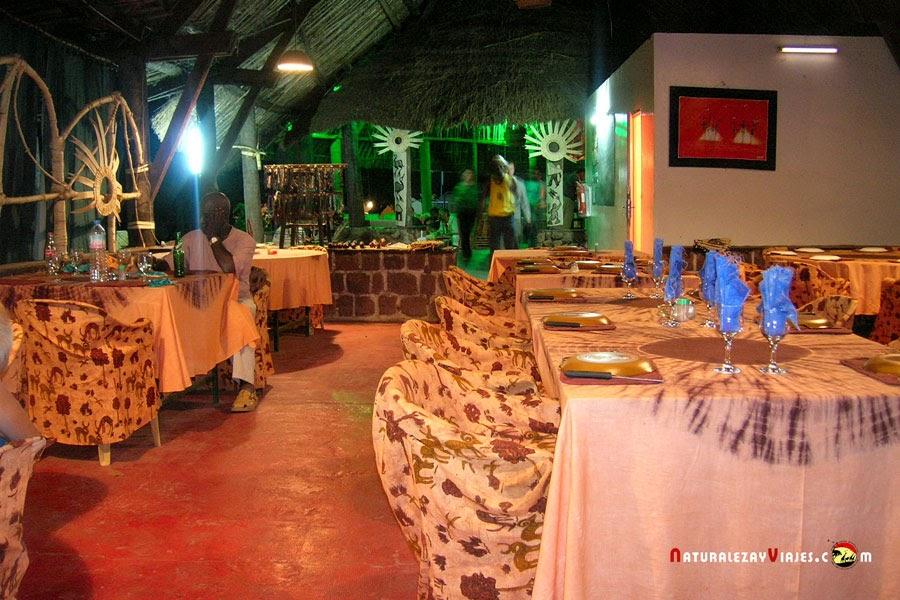 Hotel Simenti, en el interior del Parque Nacional Niokolo Kova