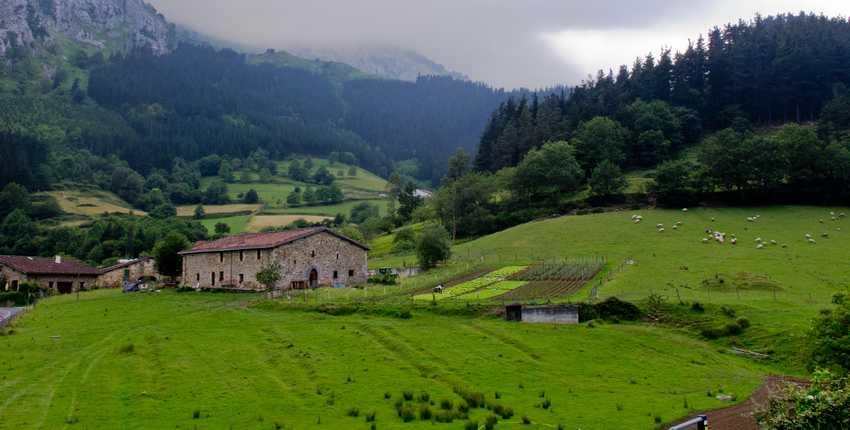 El valle de Atxondo (País Vasco, V de VIII)