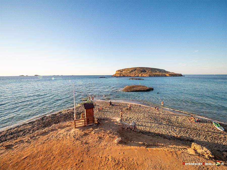 Cala Conta o Comte, Ibiza, entre las mejores playas y calas de Ibiza
