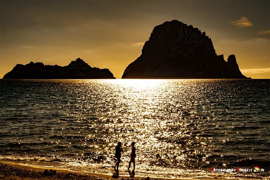 10 luagres imprescindibles que ver en Ibiza