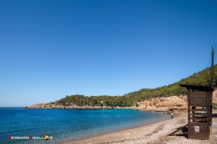 Cala Salada, Ibiza, entre ls mejores playas y calas de Ibiza