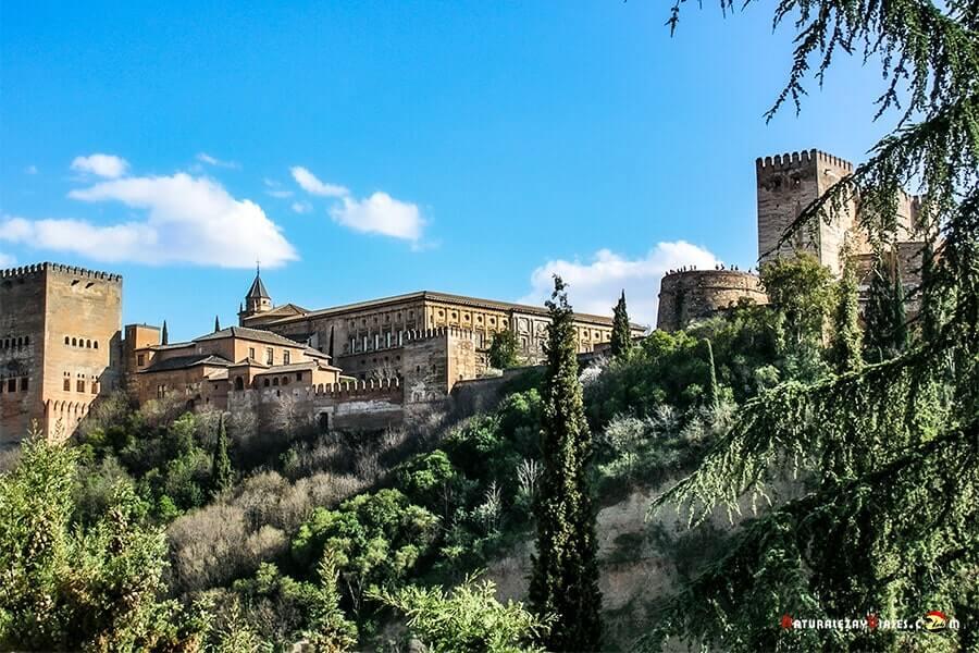 Granada, uno de los lugares más bonitos que ver en Andalucía