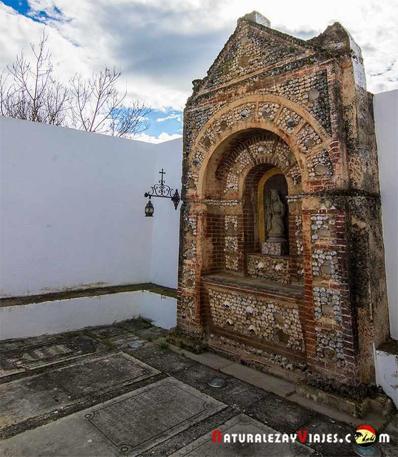 Capilla de los huesos en casco histórico de Faro