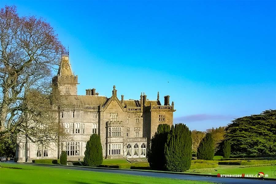 Castillo Adare, otro de los lugares que ver en irlanda