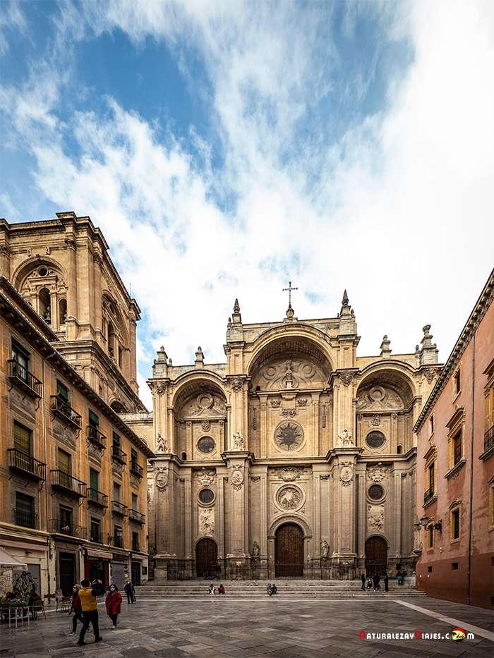 Catedral, uno de los lugares que ver en Granada
