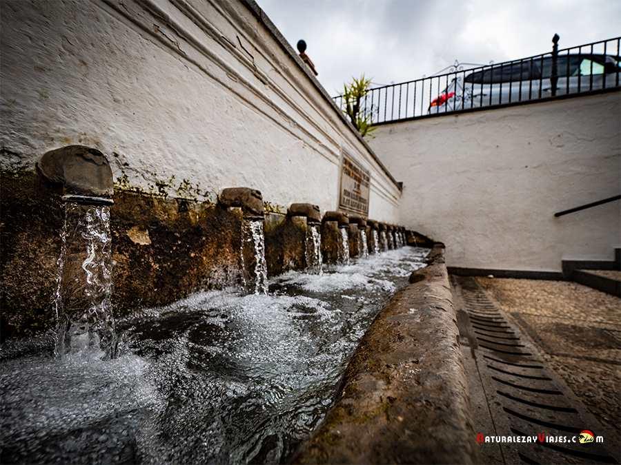 Fuente de los 12 caños en Fuenteheridos, Sierra de Huelva