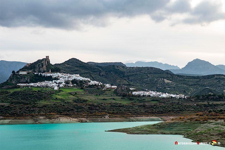 Zahara de la Sierra, uno de lso pueblos blancos de la sierra de Cádiz