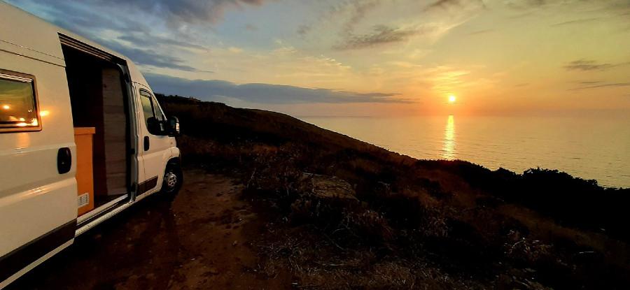 Dónde dormir y aparcar tu camper en el Algarve
