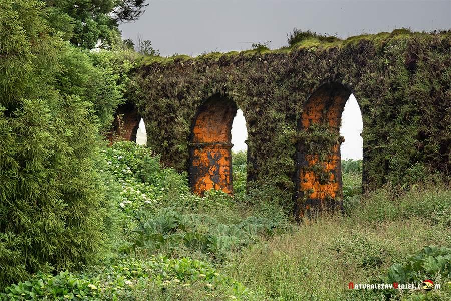 Aqueducto Carvao, San Miguel