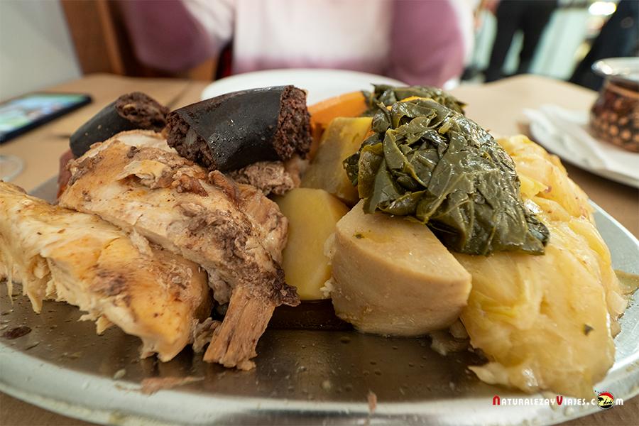 Restaurante para comer cozido das Furnas Sao Miguel Azores