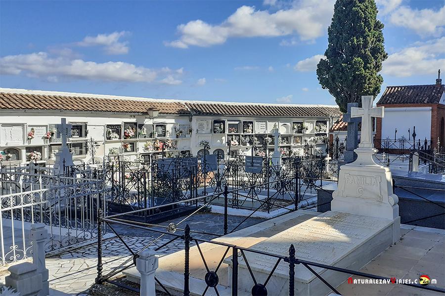 Cementerio de Olvera